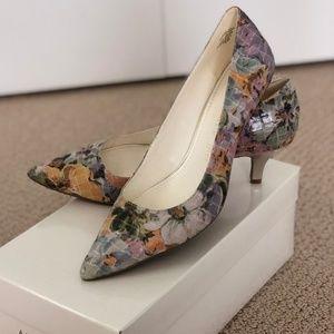 Ann Klein Floral Pump Size 6.5